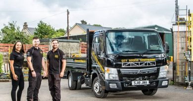 Fuso Canter makes light work of scaffolding
